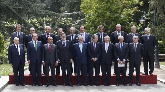 Foto de familia Palacio de la Moncloa. Presidente del Gobierno con el Consejo Empresarial para la Competitividad